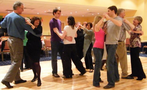 Basic Dance Moves for Guys - Completely beginner lessons ...